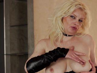 грудастая сексвайф обожает двойное проникновение фото